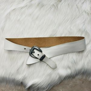 VTG 80's White Leather Asymmetrical Belt